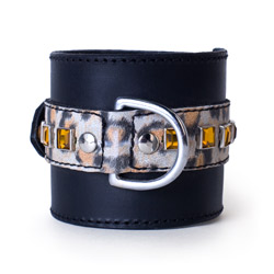 Handcuffs with buckle - Leopard bling cuffs - view #2