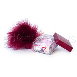 Kissable glamour powder