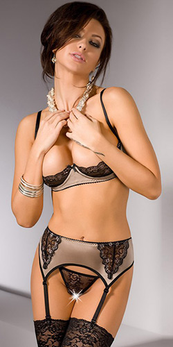 Embrace shelf bra set