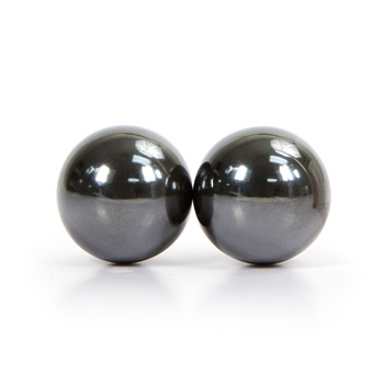 Magnetic hemitite balls